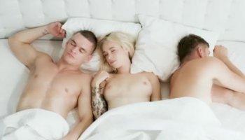 Lesbo babes malay porn